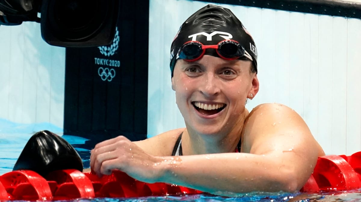 Katie Ledecky Wins Third Straight Gold in 800m Freestyle