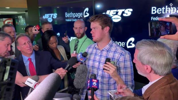 WATCH: Sam Darnold Shoulders Blame for Jets' Offensive Struggles Vs. Bills