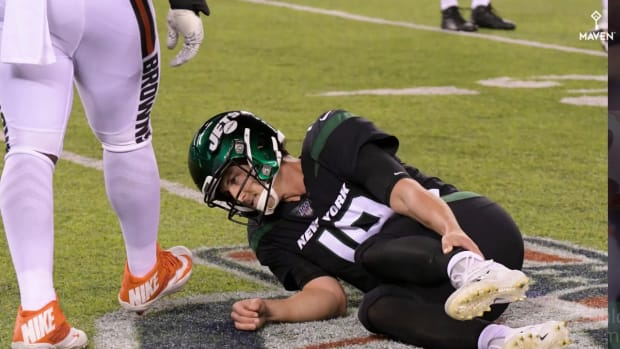 Jets QB Trevor Siemian (ankle) Ruled Out After Brutal Blow by Browns DE Myles Garrett