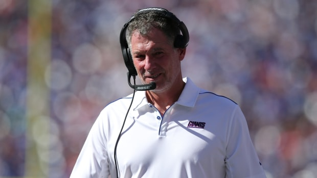 Sep 15, 2019; East Rutherford, NJ, USA; New York Giants head coach Pat Shurmur coaches against the Buffalo Bills during the fourth quarter at MetLife Stadium.