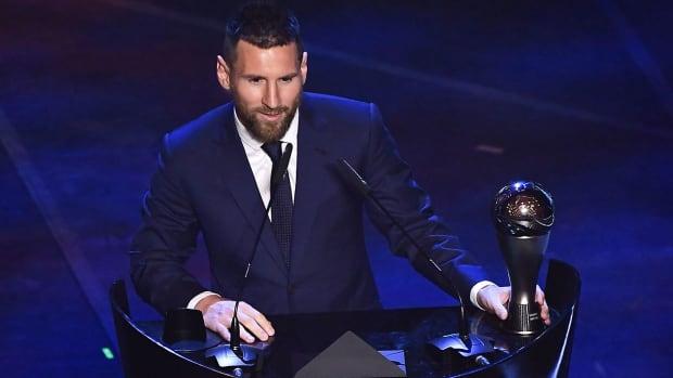 Lionel-Messi-Wins-FIFA-Best
