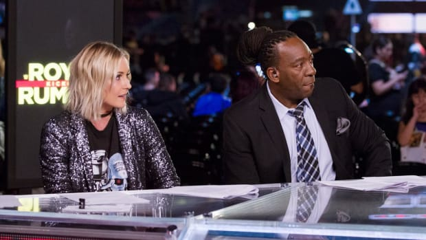 wwe-backstage-studio-show-tuesday-renee-young-booker-t-fs1