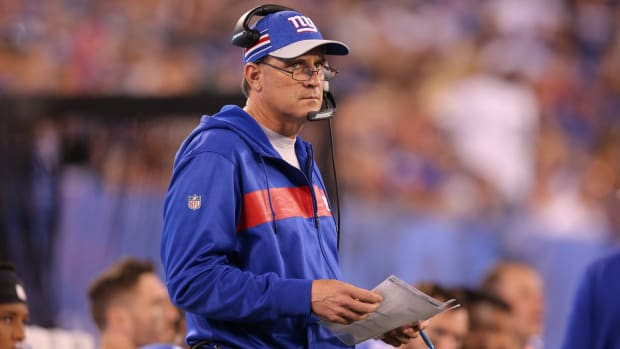 Sep 30, 2018; East Rutherford, NJ, USA; New York Giants offensive coordinator Mike Shula coaches against the New Orleans Saints during the fourth quarter at MetLife Stadium.