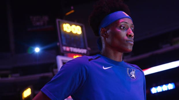 Sylvia Fowles second life dealing with death
