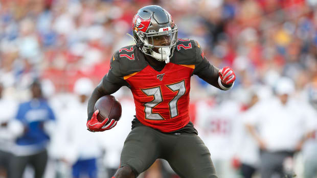 Bucs-Ronald-Jones-Running-For-Bucs