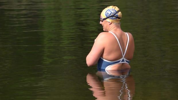 sarah-thomas-swimming-cancer-lead
