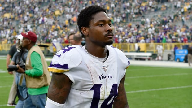 Vikings' Stefon Diggs without his helmet on
