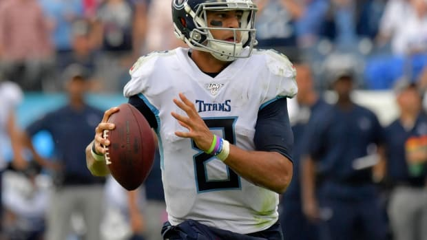 Tennessee Titans quarterback Marcus Mariota (8) looks to pass against the Buffalo Bills during the second half at Nissan Stadium.