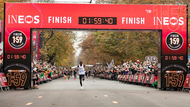 eliud kipchoge crosses the finish line of the ineos 159 challenge in 1 hour 59 minutes and 40 seconds for the fastest marathon ever