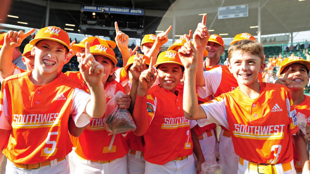 LLWS champs invited by President Trump to fly home to Louisiana on Air Force One