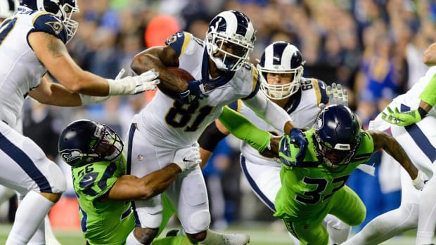Los Angeles Rams tight end Gerald Everett (81) carries the ball after a catch during the second half against the Seattle Seahawks