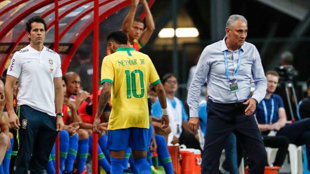neymar-leaves-game-brazil-nigeria-injury-scare