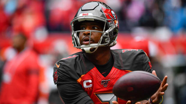 Jameis Winston opens with horrid half vs. Panthers