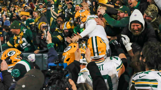 Packers kicker Mason Crosby does the Lambeau leap