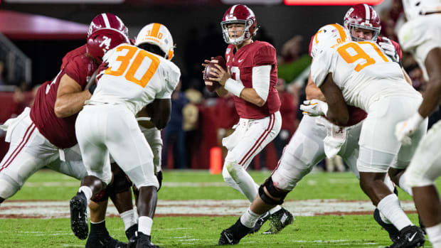 Mac Jones takes over against Tennessee