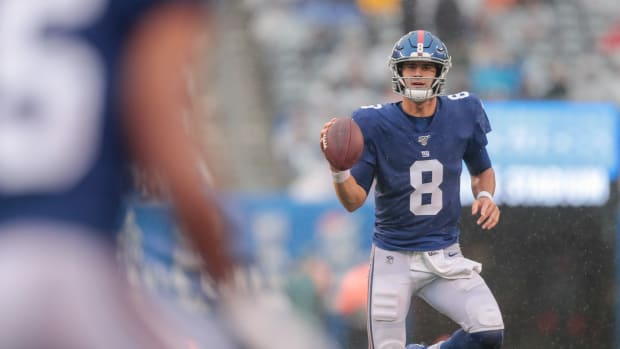 Oct 20, 2019; East Rutherford, NJ, USA; New York Giants quarterback Daniel Jones (8) looks to pass during the second half against the Arizona Cardinals at MetLife Stadium.