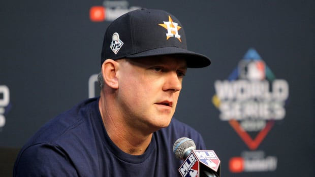 aj-hinch-clubhouse-incident