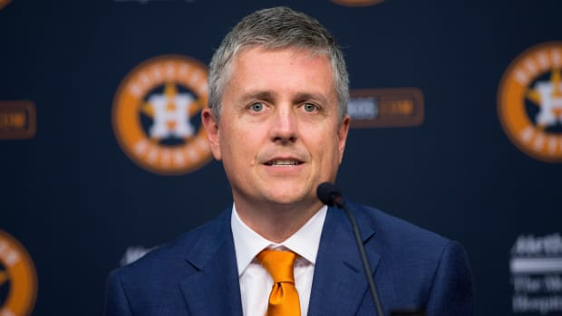 Jeff Luhnow apologizes for Astros initial statement
