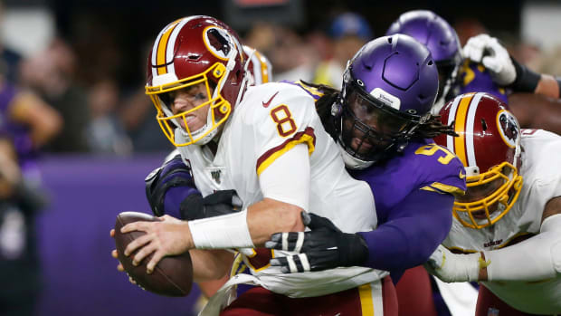 Case Keenum leaves game vs. Vikings with concussion