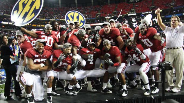 Alabama celebrates winning the 2009 SEC Championship Game