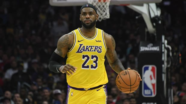 lebron-james-lakers-lead-getty-fire