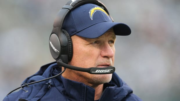 Chargers fire Ken Whisenhunt