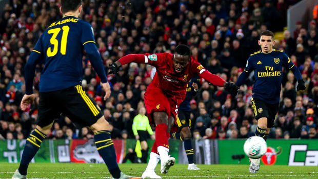 Divock Origi scores for Liverpool vs Arsenal