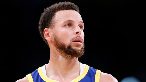 Stephen Curry suffers broken hand vs. Suns