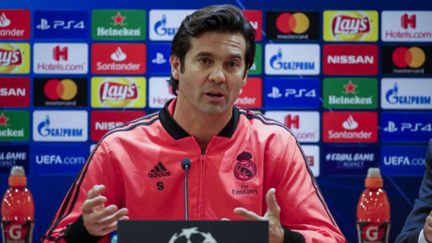 real-madrid-training-and-press-conference-5c348e22637208517c000031.jpg
