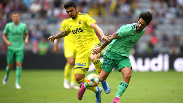 real-madrid-v-fenerbahce-audi-cup-2019-3rd-place-match-5d8dfa2672cebea329000001.jpg