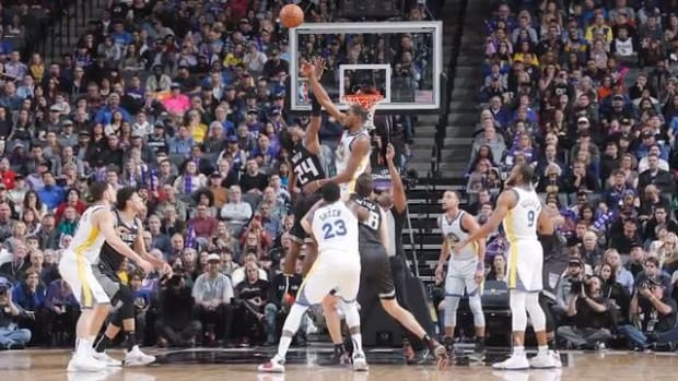 Warriors, Kings Combine For NBA Record 41 Three-Pointers Made--IMAGE