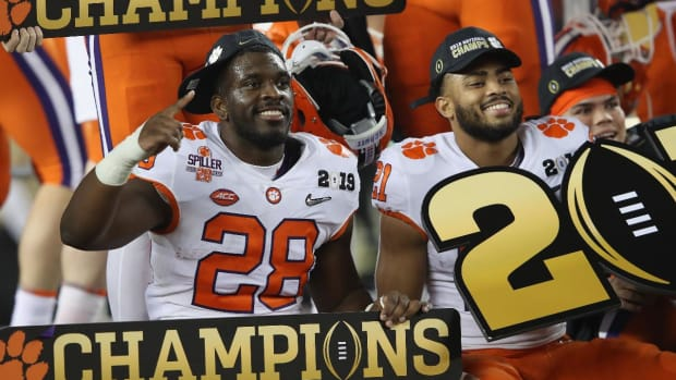 Clemson Opens as Favorite for 2020 National Championship -IMAGE