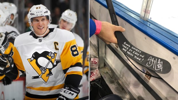 sidney-crosby-penguins-rangers-fan-stick-autograph-photo.jpg