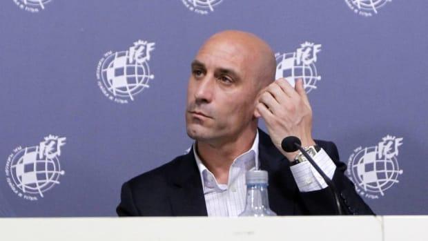 spanish-football-federation-press-conference-5d90be1b6203b8692f000001.jpg