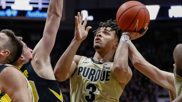 carsen_edwards_purdue_iowa.jpg