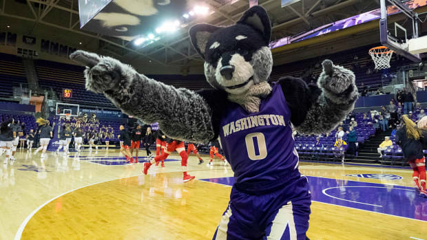 washington-huskies-stewart.jpg