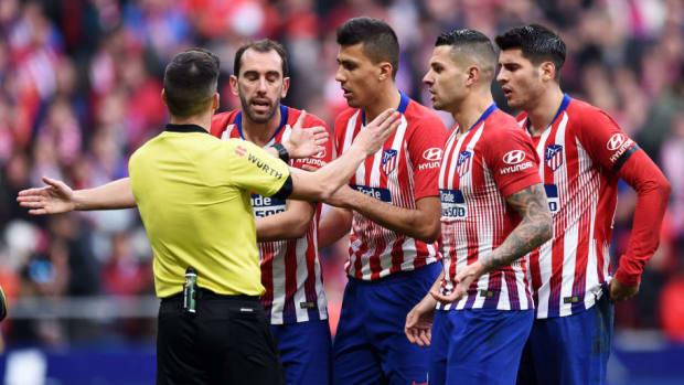 club-atletico-de-madrid-v-real-madrid-cf-la-liga-5c600ab17bac3d62a2000002.jpg