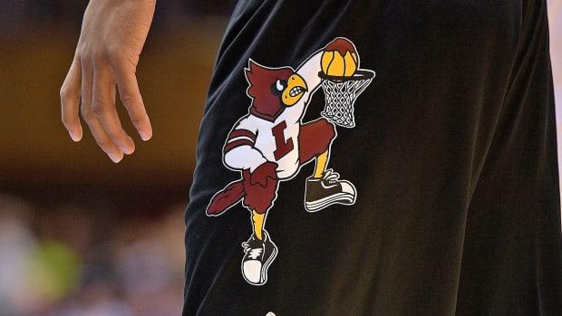 louisville-new-basketball-court-design-retro.jpg