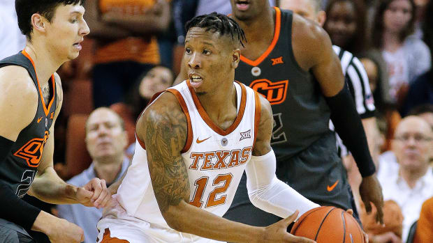 college-basketball-odds-best-bets-texas-kansas.jpg