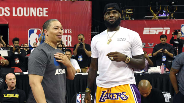 tyronn-lue-lakers-coach-negotiation-impasse.jpg