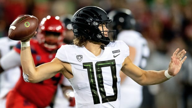 oregon-justin-herbert-college-football-top-players.jpg