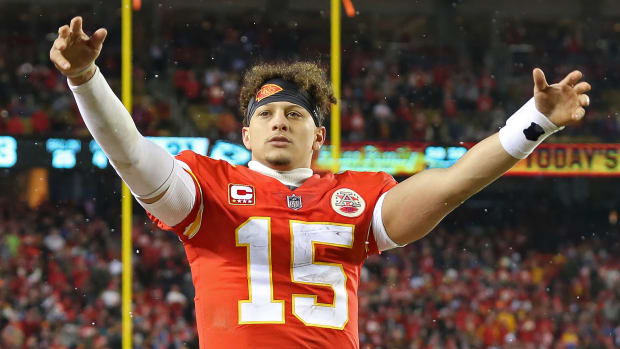 friday-hot-clicks-chiefs-patrick-mahomes-golf-video.jpg