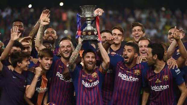 topshot-fbl-esp-supercup-barcelona-sevilla-5cadc33210a156644b000001.jpg