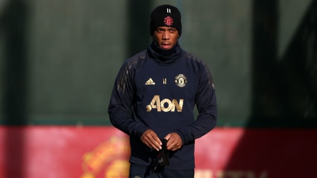 manchester-united-training-and-press-conference-5c8e98612c36cb9477000003.jpg