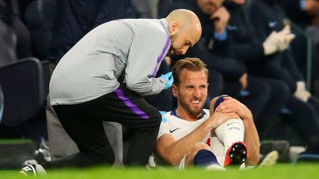 harry-kane-injury-updates-walk-off.jpg