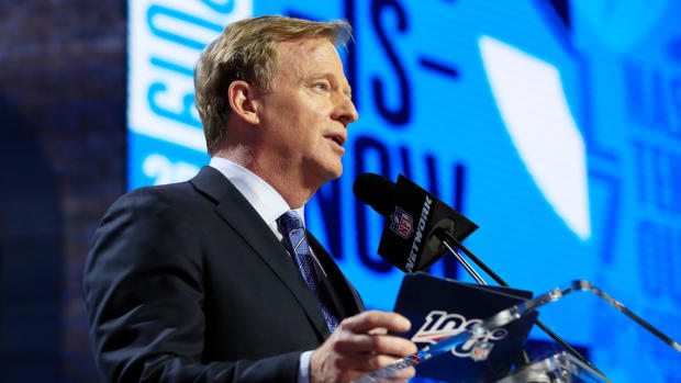 roger-goodell-nfl-owners-holdout-penalties.jpg