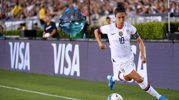 carli_lloyd_goes_off_in_philly_during_victor_tour.jpg
