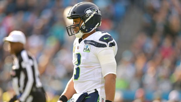 russell-wilson-seahawks-contract-negotiation.jpg