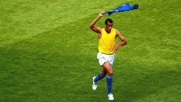 foot-1-4-final-england-brazil-wc-2002-5d1633edaca4497998000001.jpg