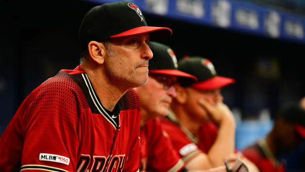 diamondbacks-manager-lovullo.jpg